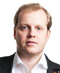 Dr. Christian Hillebrand |